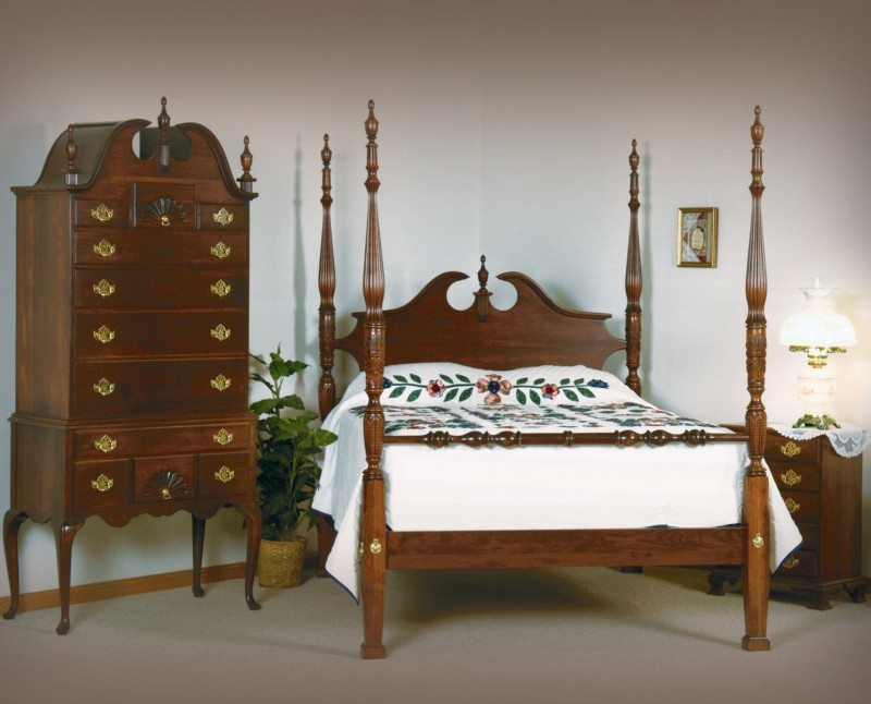 ... Colonial Bedroom Set ...