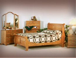 Colonial Sleigh Bedroom Set